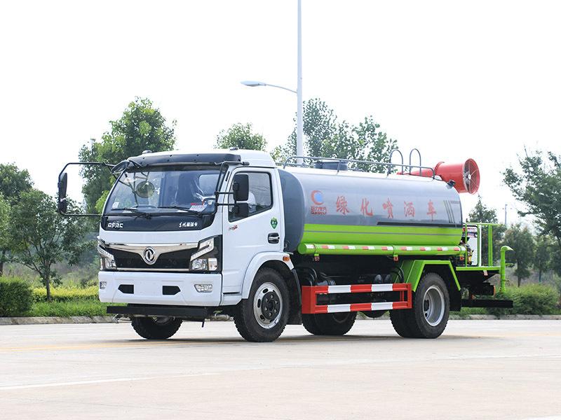北京霧炮車治理飛絮 為市民的生活環境保駕護航