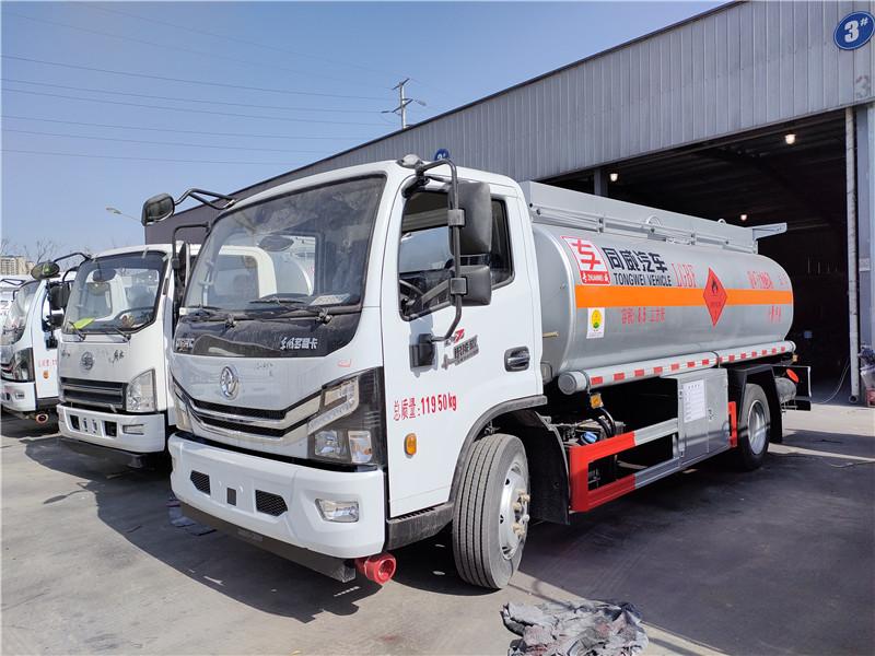 国六东风多利卡8吨油罐车厂家 工地流动8吨加油车 视频视频