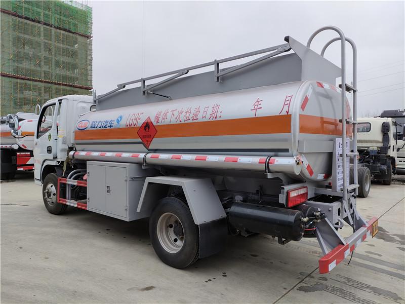 國六東風小多利卡加油車 5噸油罐車包上牌價格 終身質保視頻
