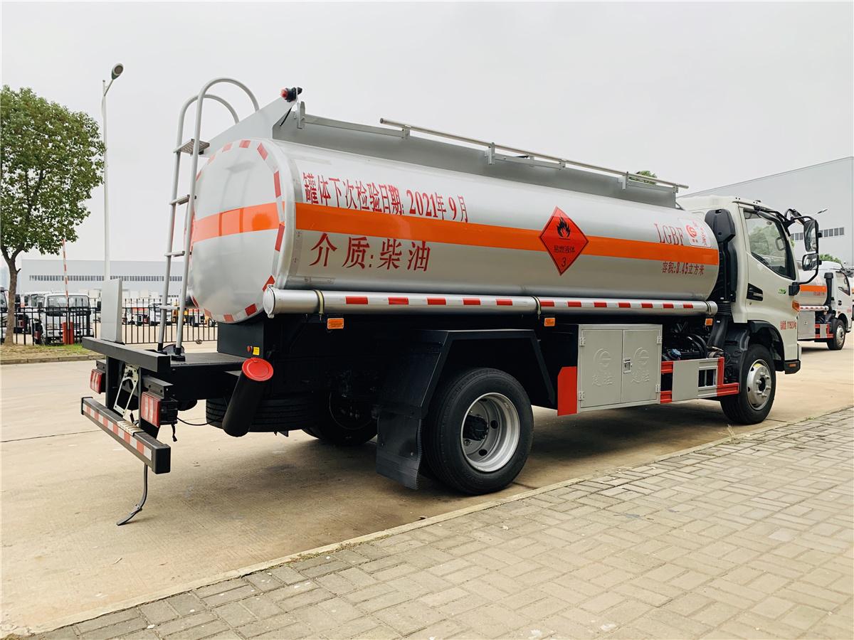 江淮8.45方国六加油车165马力油罐车报价 楚胜8吨加油车配置