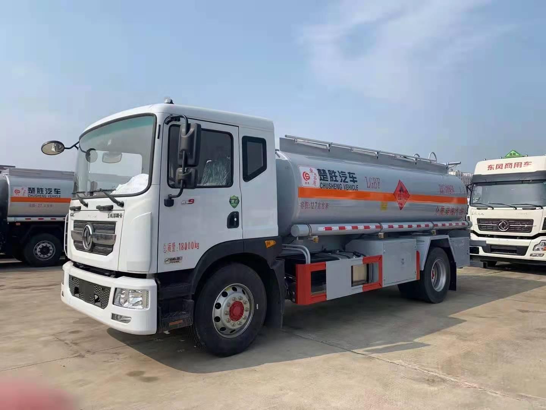 东风D912.7方运油车 国六东风多利卡D9油罐车厂家力荐可分期包上户