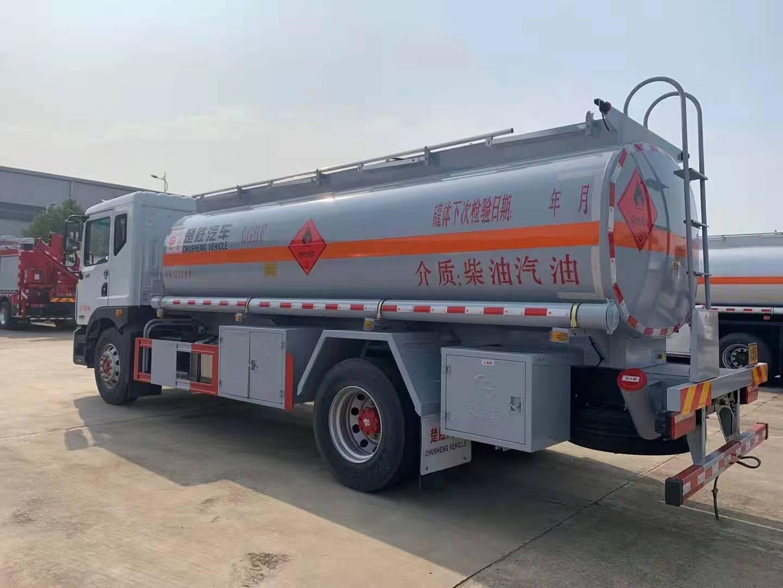 楚胜牌东风D9柴汽油12吨运油车国六排量厂家批发价