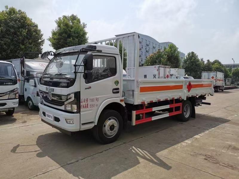 国六东风D7气瓶车图片
