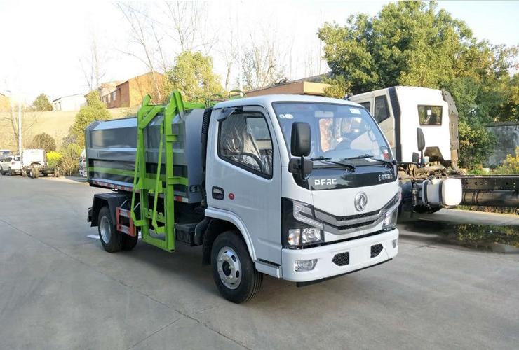 國六東風小多利卡5方自裝卸式掛桶垃圾車