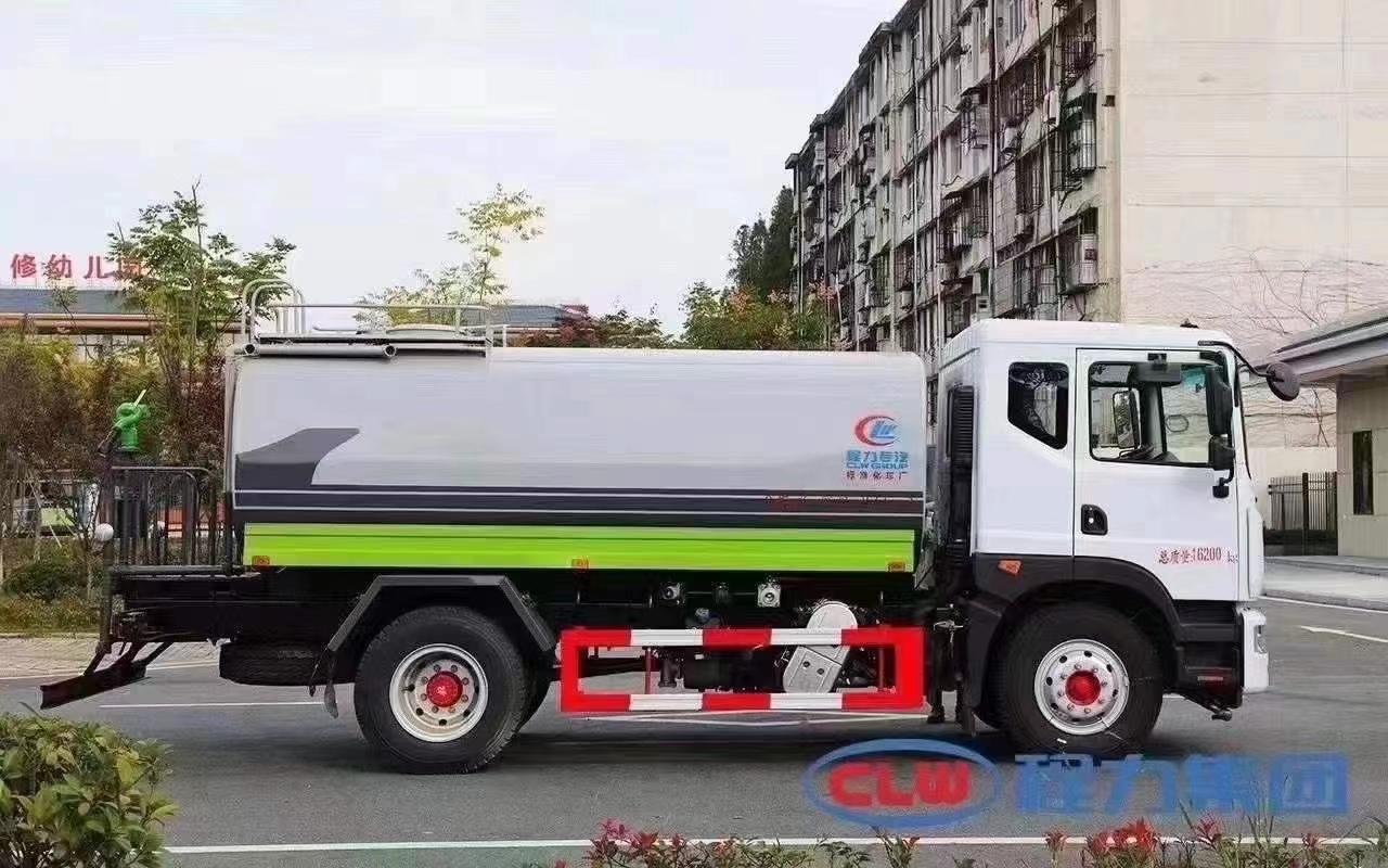 国六东风D9洒水车图片