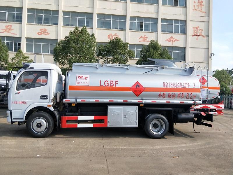 楚飞牌CLQ5111GJY5E型加油车 东风8吨油罐车视频