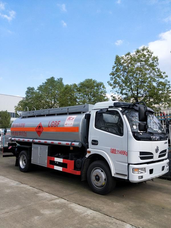 东风8吨油罐车厂家直销 工地流动8吨加油车现车出售 视频视频