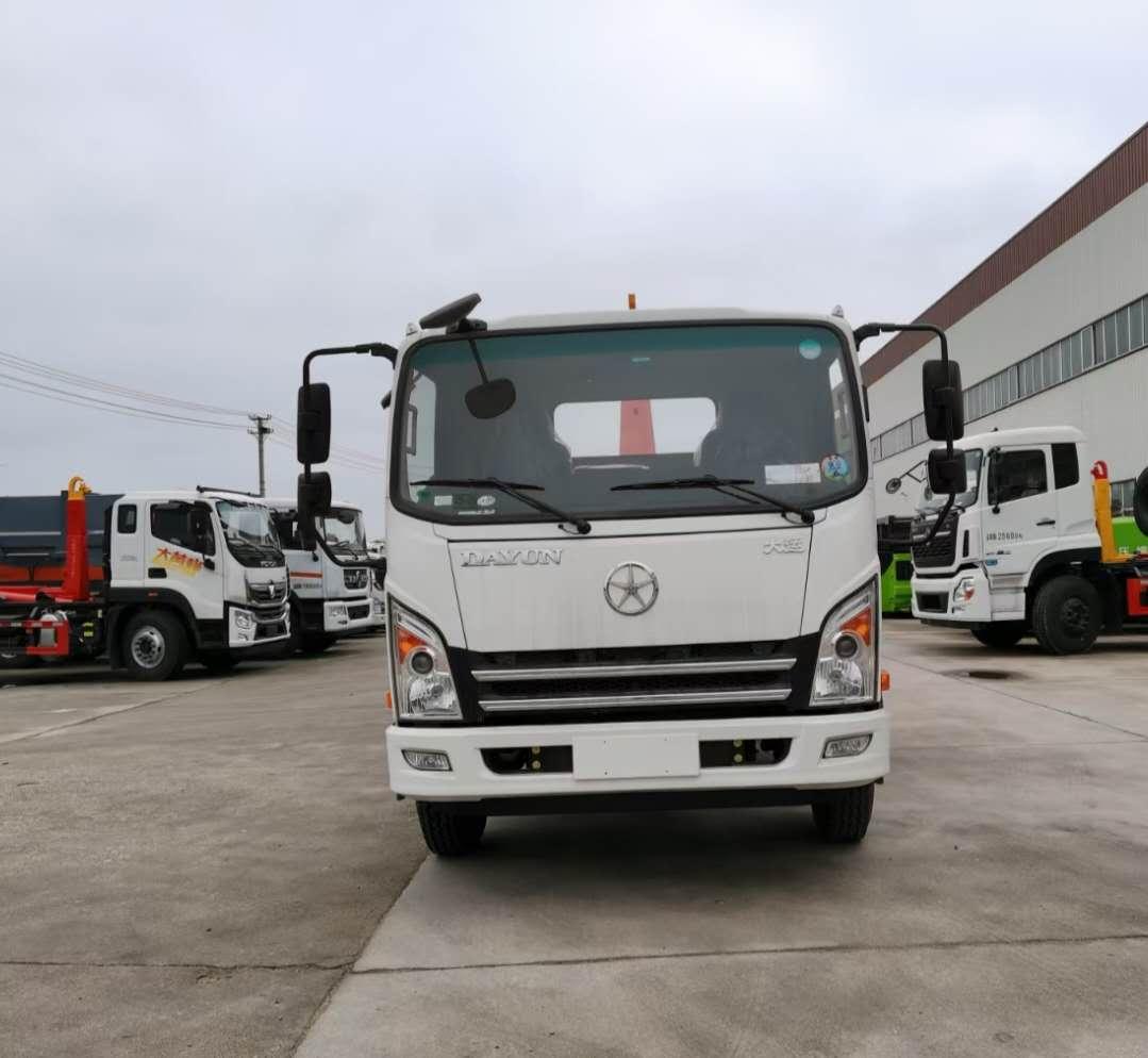 国六10吨大运钩臂垃圾车运输车价格170或183大马力拖建筑垃圾专用图片