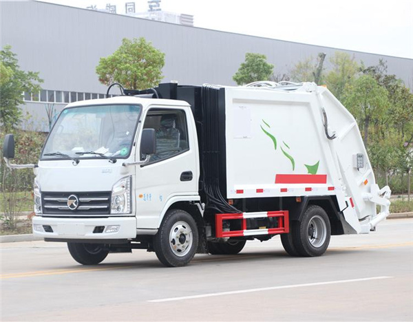 乡村垃圾车 福田凯马4方压缩垃圾车 支持乡村建设的垃圾车图片