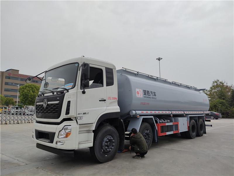 楚胜牌国六天龙供液车 前四后八普货罐车 20吨润滑油罐车视频