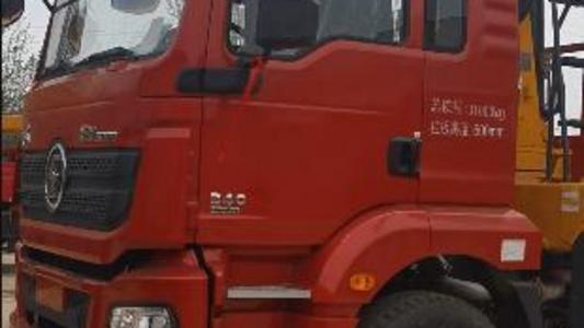 陕汽德龙吨前四后八国五340马力,上装徐工12吨双联泵吊机,货箱7.8米带爬梯,一车多用图片