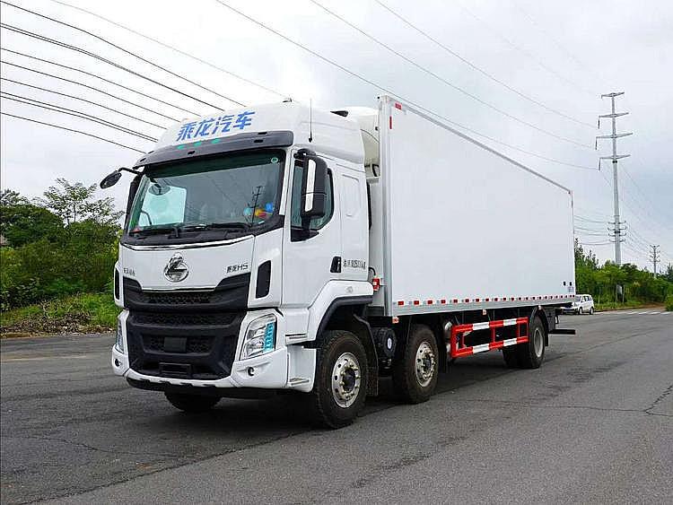 柳汽乘龙H5 小三轴 270马力 9.6米冷藏车图片