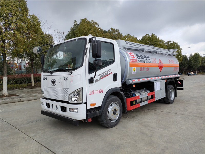 國六8噸流動加油車 解放J6F油罐車濰柴160馬力 公告參數視頻