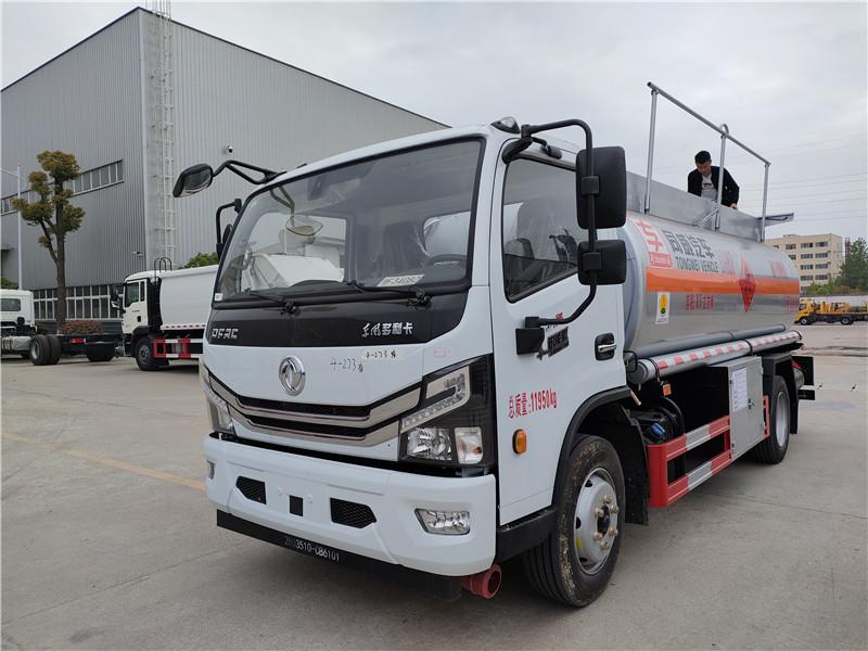 国六8吨油罐车手续齐全  东风多利卡8.5立方加油车配置 国六玉柴165马力发动机