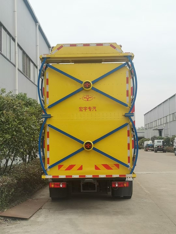 东风天锦防撞缓冲车图片