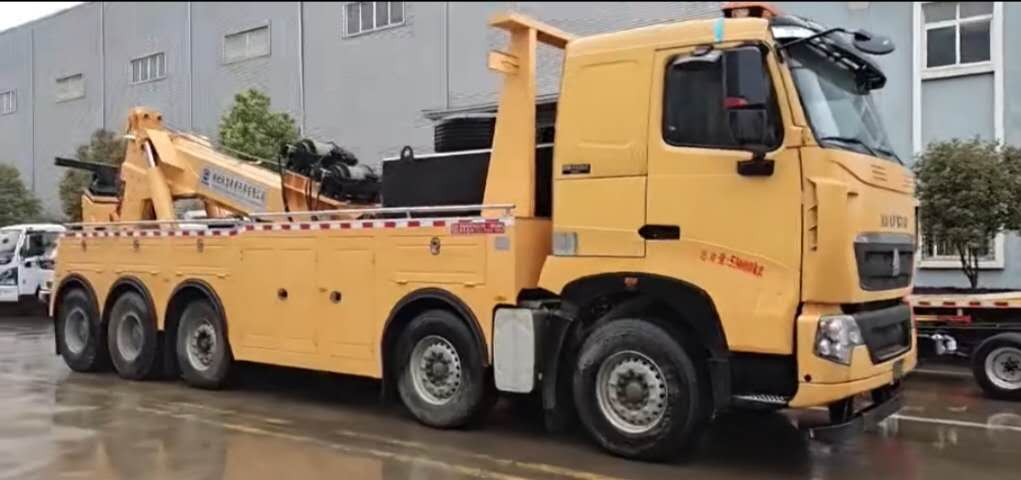 30吨重汽豪沃5轴大型清障车价格拖车120吨以上厂家视频视频