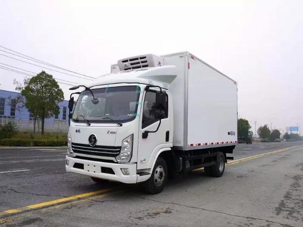 陕汽德龙轻卡宽体手动挡国六130马力冷藏车厂家视频