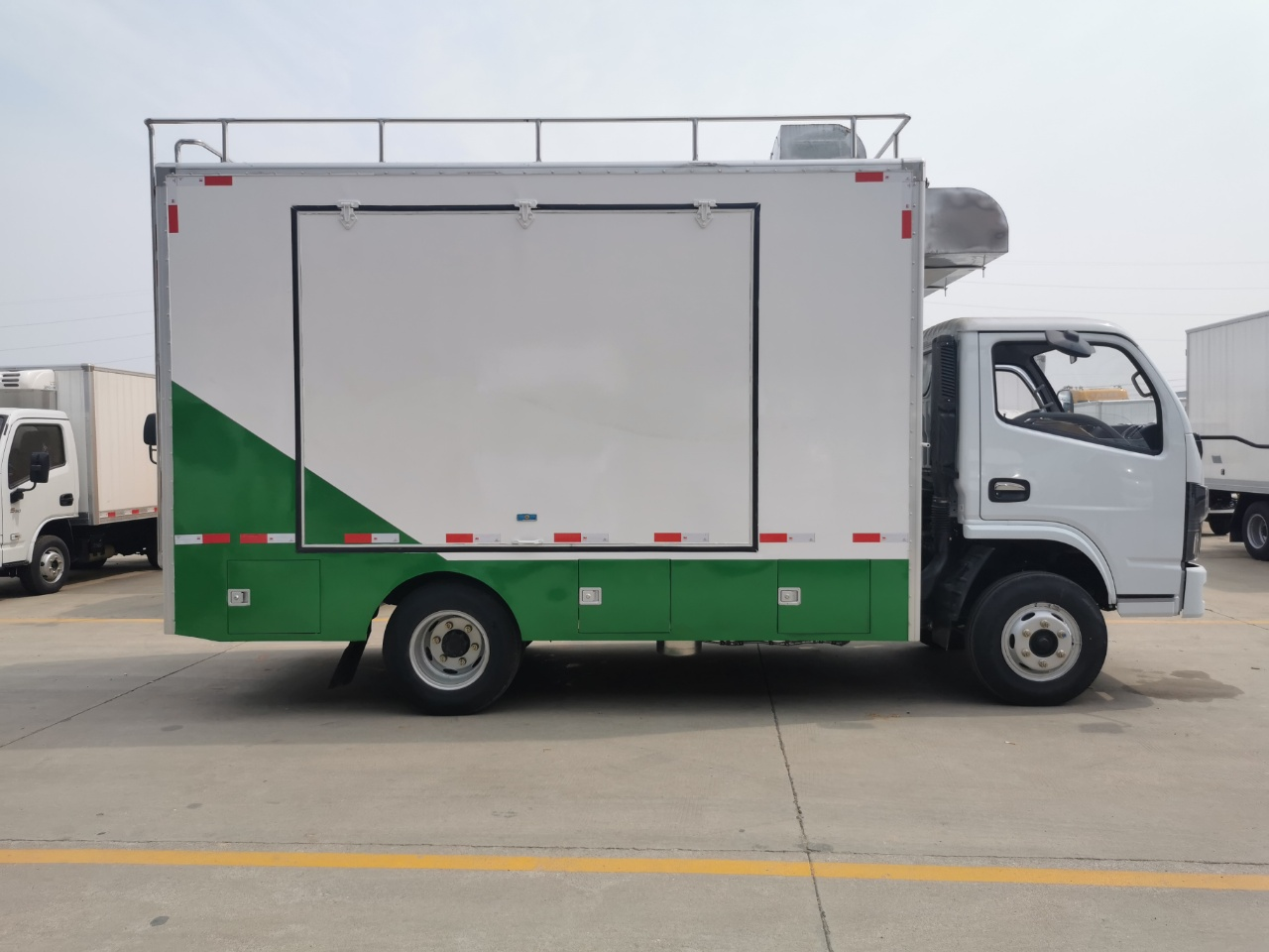 国六东风小多利卡餐车图片
