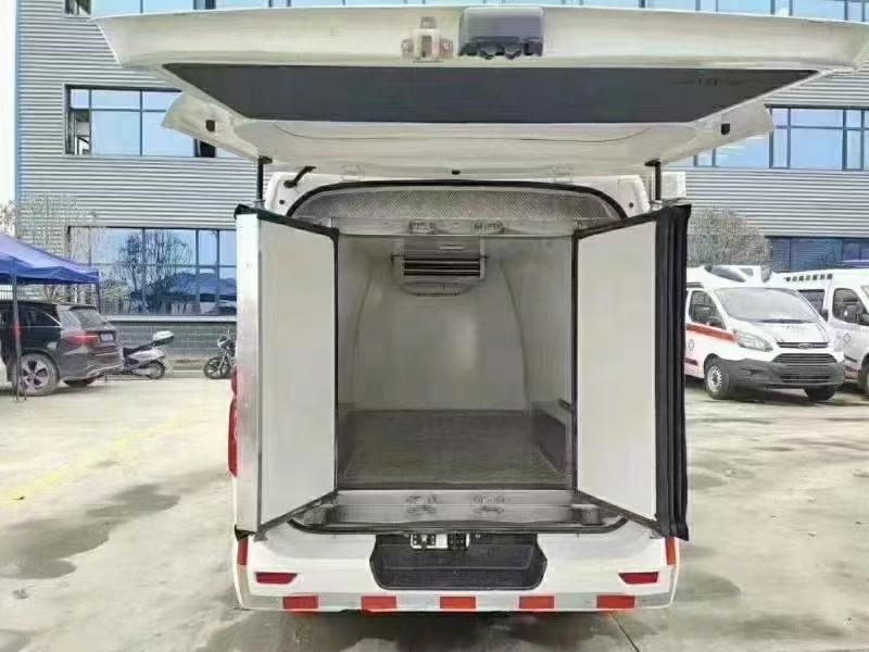国长六安睿行M80冷藏车