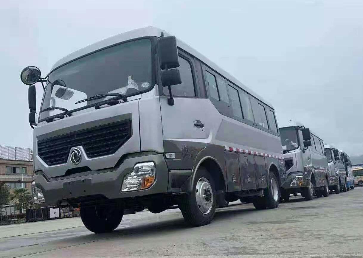 东风挑战者四驱越野房车生产厂家报价及图片