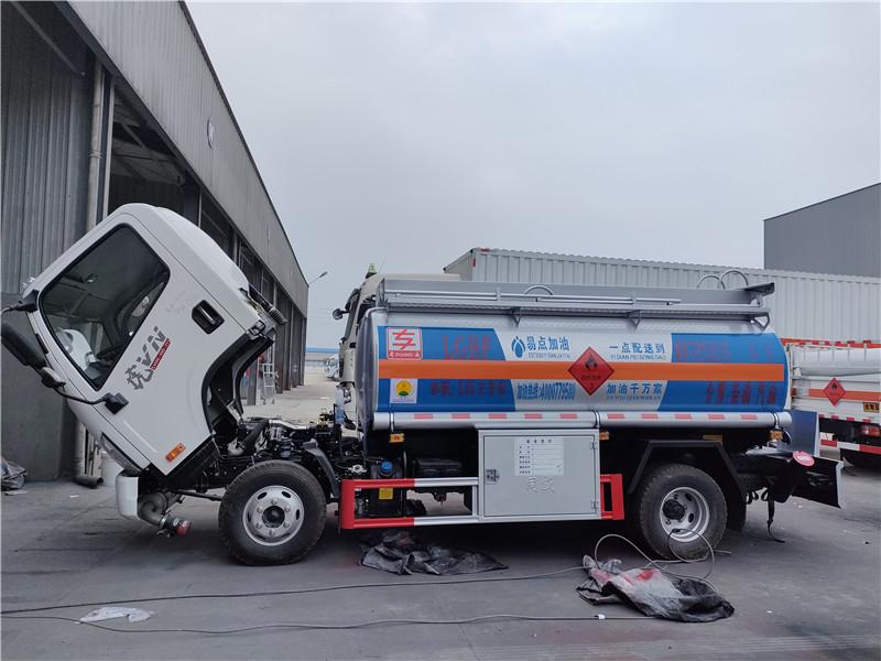 易点加油多少钱一辆  一线加油解放5吨油罐车厂家现车手续齐全随提随走