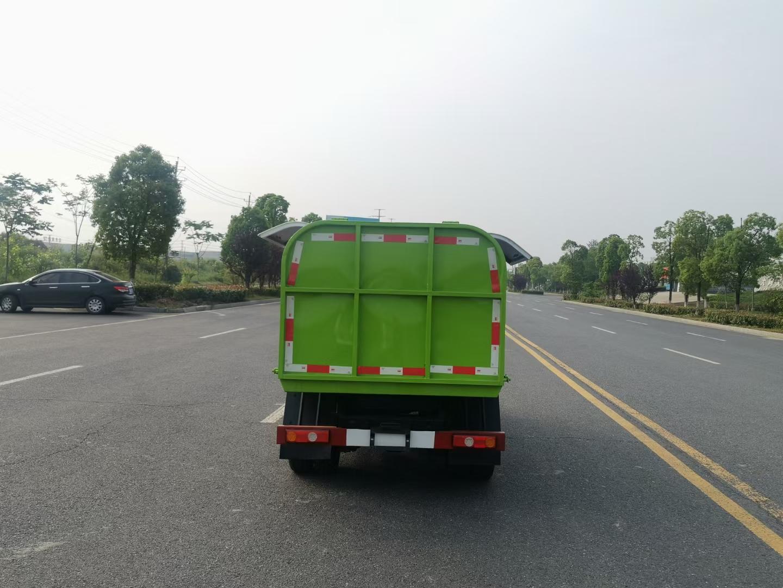 凯马国六汽油后双轮密封垃圾车图片