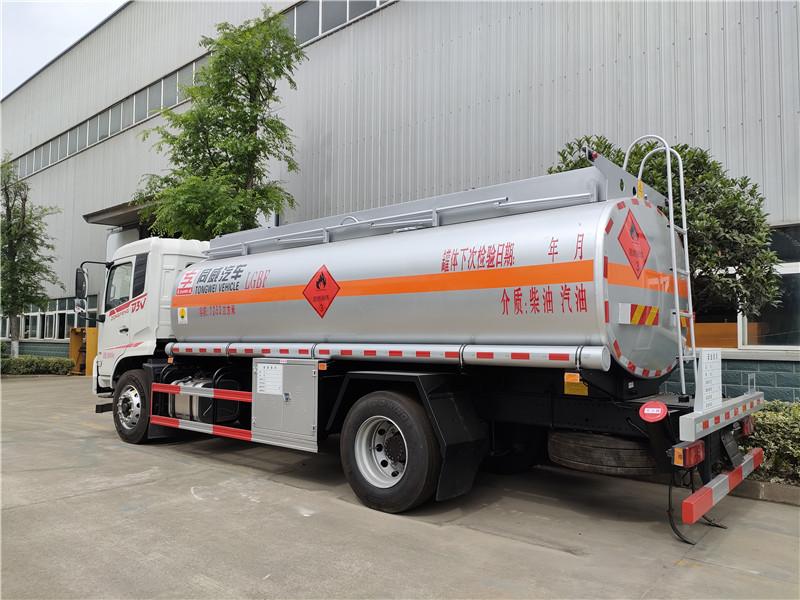 專威牌HTW5180GJYES型加油車 東風專底12噸加油車視頻