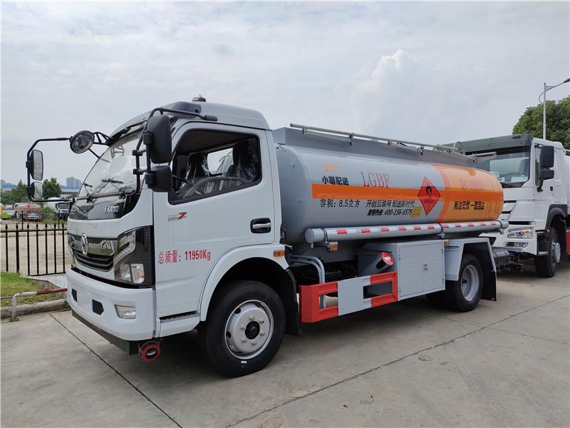 小盟配送国六东风8.5方加油车 8吨加油车厂家现车批发图片