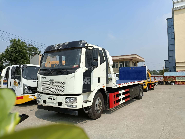 国五10吨解放J6大平板道路救援拖车价格仅28万起配置240马力图片