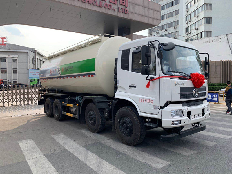 天锦(国六)27方干混砂浆运输车