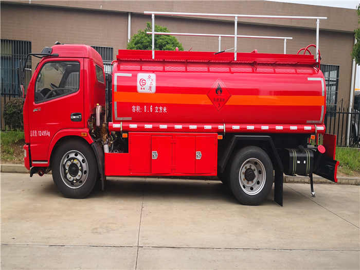 东风福瑞卡国六首批7吨油罐车整备质量5吨 整车不超重 上户无忧