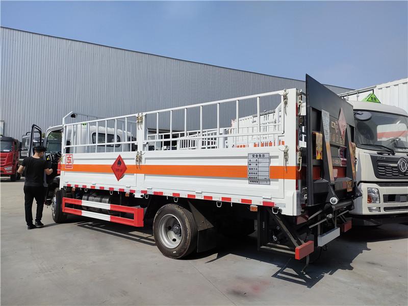 专威牌HTW5124TQPCA6型国六解放J6F气瓶运输车厂家_黄牌厢长5米2气瓶运输车价格