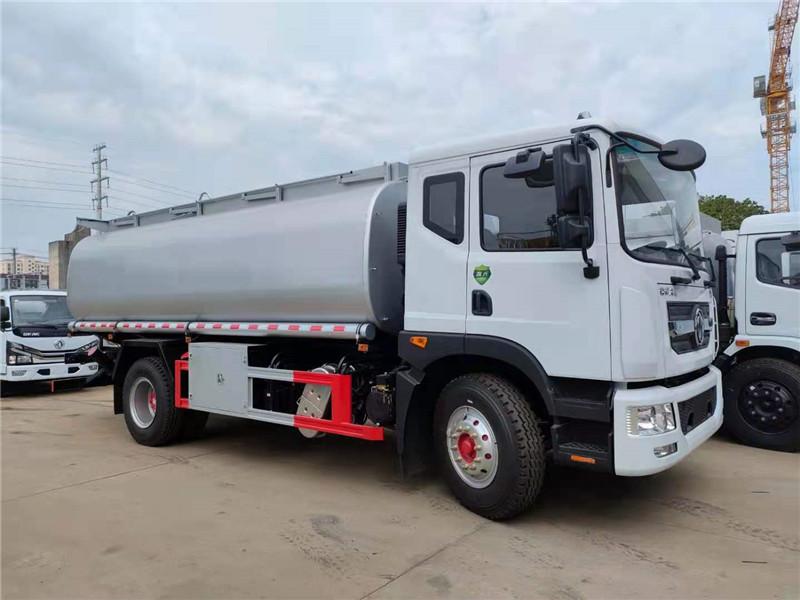 国六东风多利卡D9_额载10吨供液车_普通液体罐式车厂家直销视频