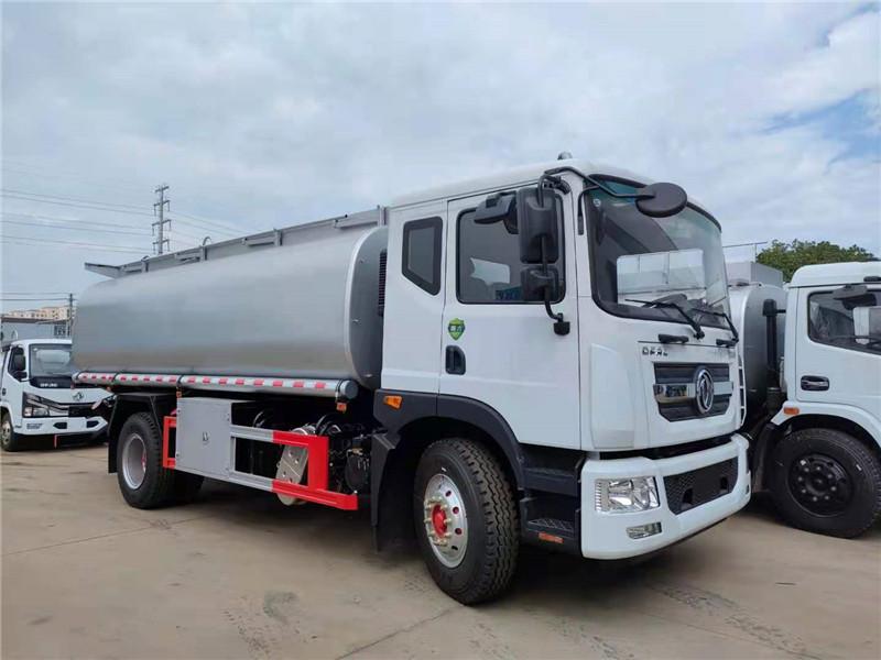 国六东风D9多利卡10吨15吨供液车 15.8方减水剂供液车视频