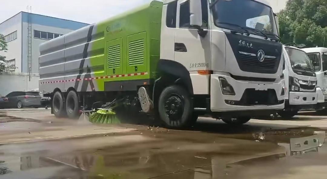 东风天龙22方洗扫车清扫视频展示视频