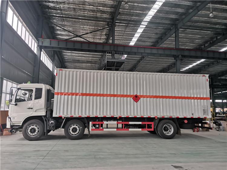国六箱长8米6可拉桶装油漆的3类易燃液体厢式运输车天津有卖吗图片