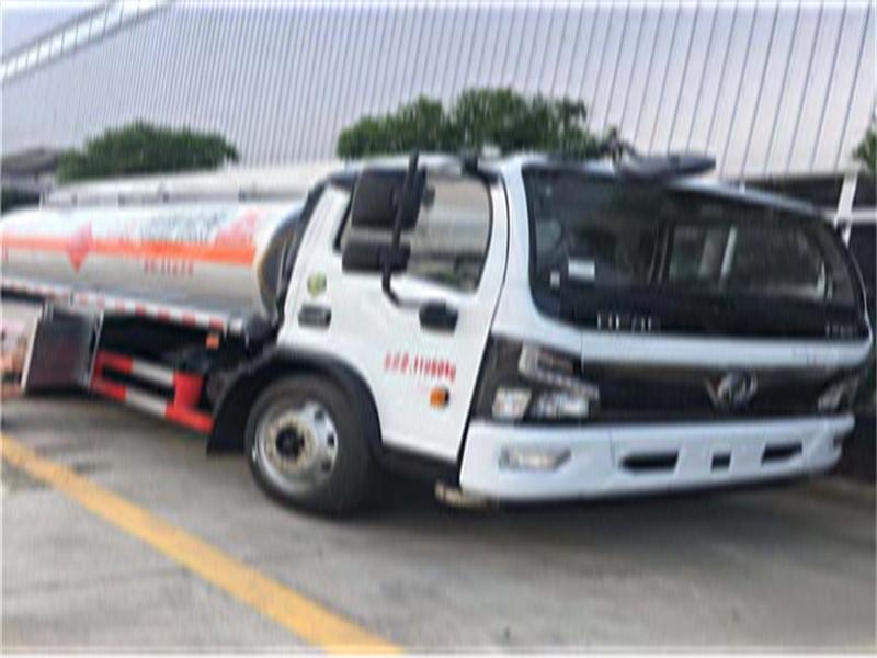 国六畅销8吨油罐车配置详情包上户视频