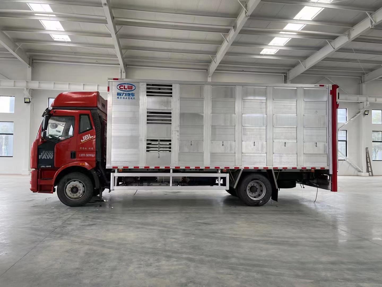 恒温6.8米铝合金运猪车轻量化畜禽运输车价格图片