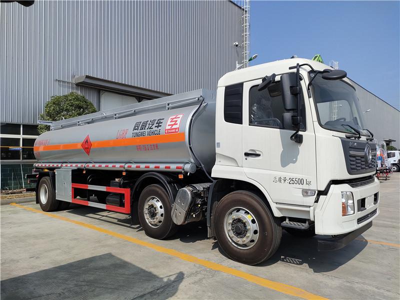 专威牌15吨油罐车 国六东风天锦小三轴19.3方碳钢罐运油车图片