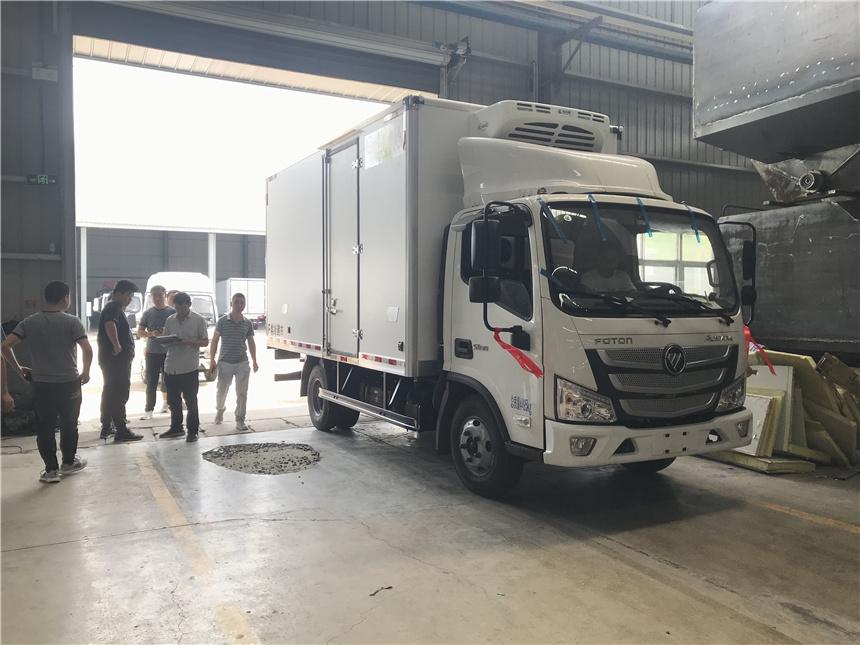 國六冷藏車4.2米福田歐馬可-15度冷藏車客戶提車視頻圖片