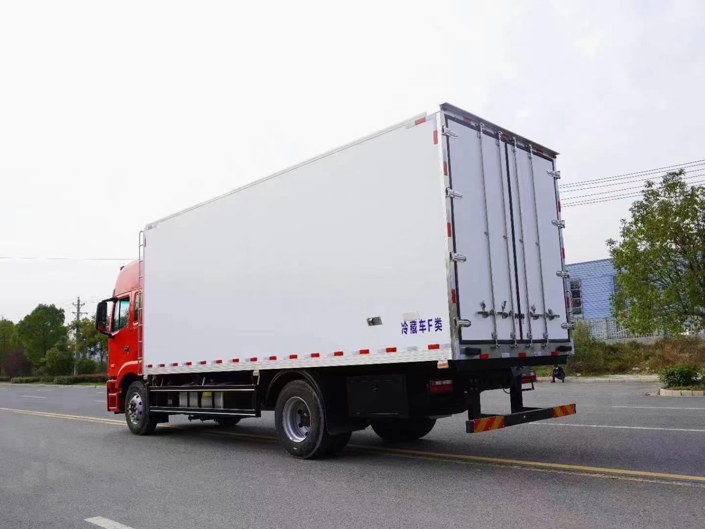 國六格爾發A5X 6.8冷藏車圖片