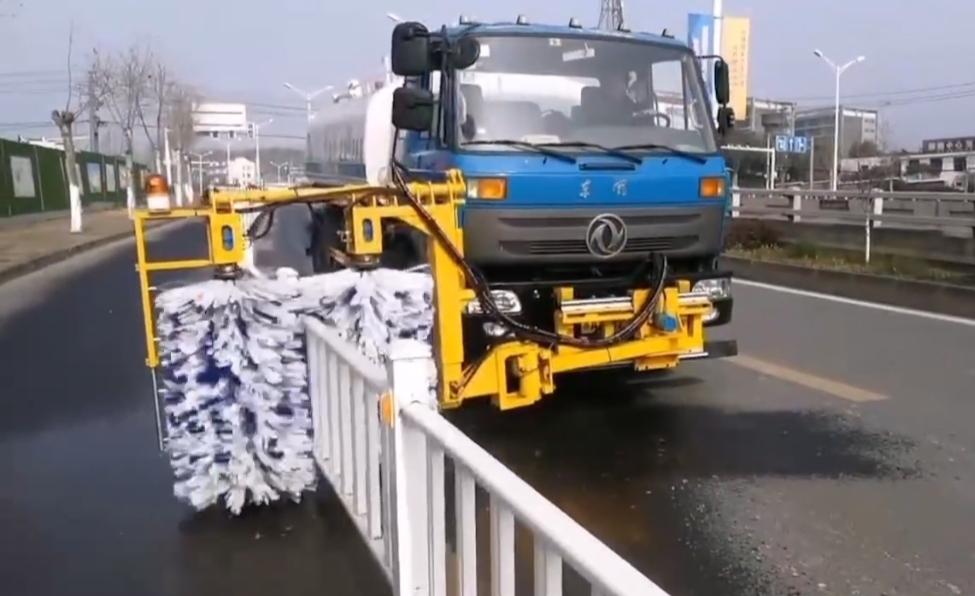 护栏清洗雪滚刷除雪铲等环卫设备图片视频视频