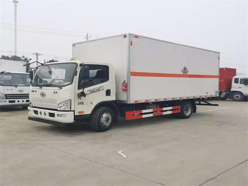 专运易燃固体的厢式运送车有哪些图片