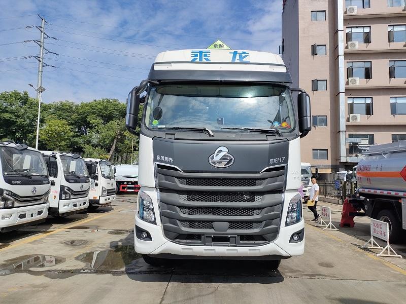 专威牌东风柳汽8×4铝合金运油车 国六23吨油罐车厂家直销视频
