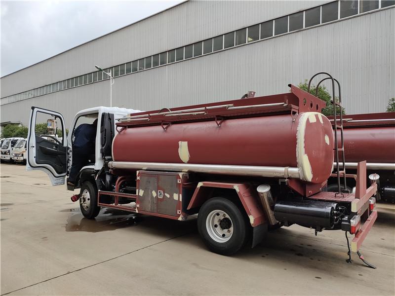 國六?;凸捃?東風福瑞卡4.5方加油車滿載4噸高配置低價格視頻