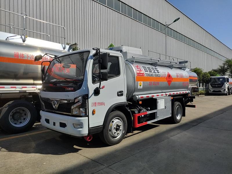 烏魯木齊流動加油車 國六東風福瑞卡8噸加油車帶牌 處理圖片