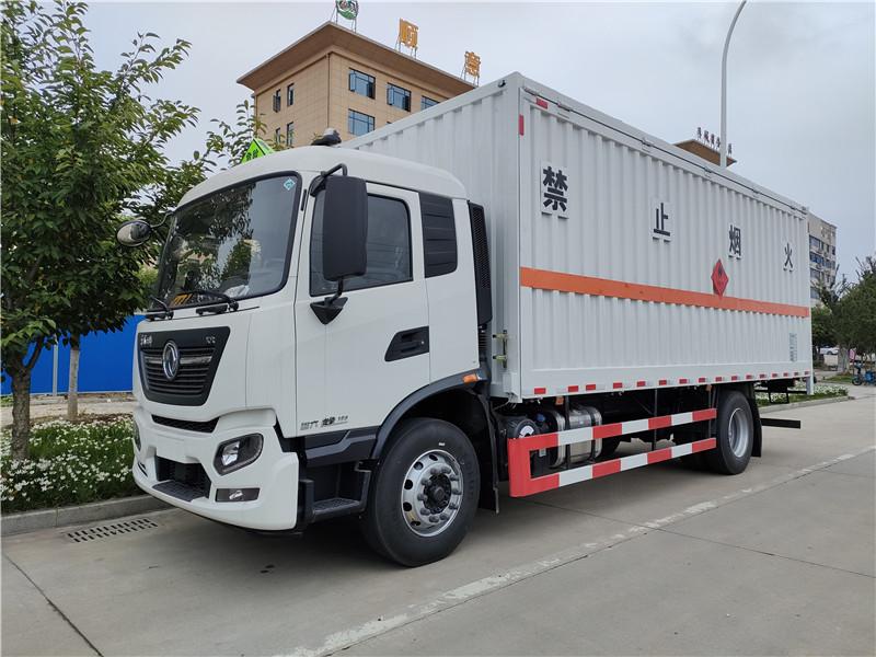 楚勝牌東風天錦單橋6.6米易燃氣體廂式運輸車配置 視頻視頻