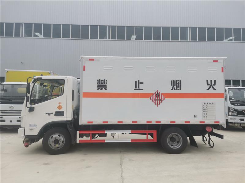 国六福田欧马可4米2易燃固体厢式运输车视频