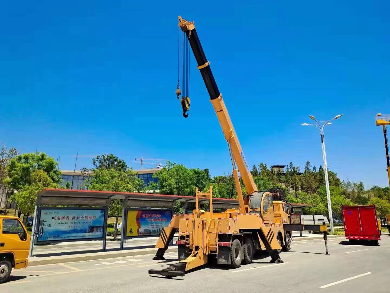 重汽360度旋转汽车吊带清障拖车400马力救援功能湖北厂家图片