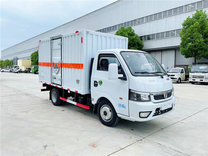 国六东风途逸柴油3米4杂项危险物品厢式运输车图片